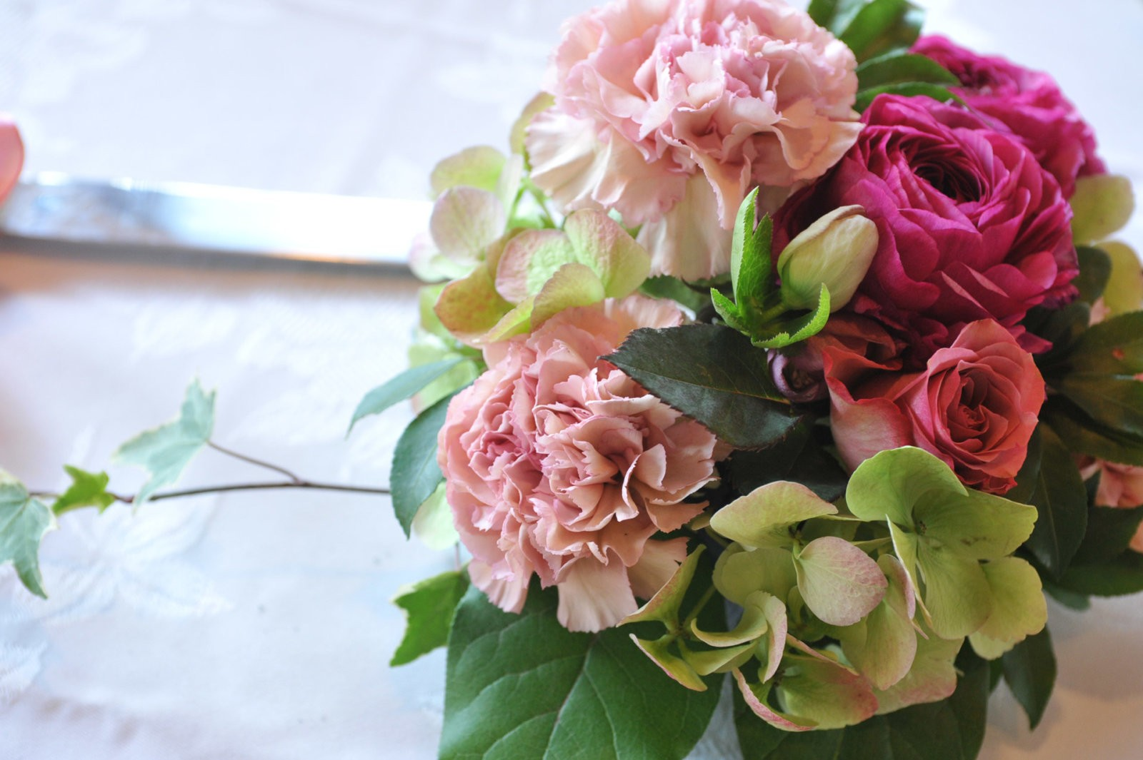 Flower arranging or floristry courses