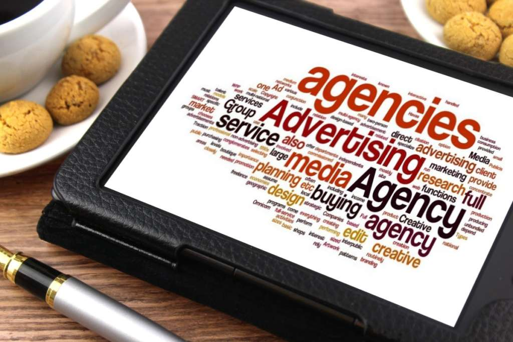 Advertising courses: the art of selling happiness