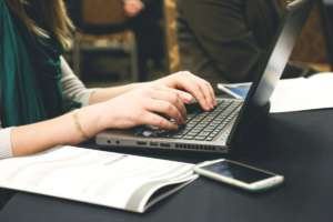 Online courses and distance learning: a look at some of the specialists
